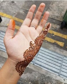 121 Simple mehndi designs for hands - Henna - Hand Henna Designs Easy Mehndi Designs, Henna Hand Designs, Latest Mehndi Designs, Dulhan Mehndi Designs, Mehandi Designs, Bridal Mehndi Designs, Mehndi Designs Finger, Mehndi Designs For Beginners, Mehndi Designs For Girls