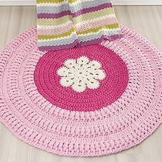 Crochet Mat, Crochet Carpet, Crochet Home, Knitting Patterns, Yarn Store, T Shirt Yarn, Crochet Fashion, Floor Rugs, Crafts