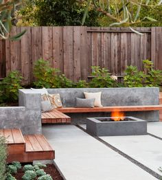 Looking for a patio design for your home's backyard? , we will provide you with the best inspiration for your patio design.