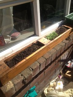 Window planter made from #pallet.- perfect herb garden