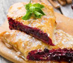 Házi, cseresznyés rétes - Recept | Femina Strudel, Winter Food, Sandwiches, Sweets, Recipes, Kuchen, Rustic, Gummi Candy, Candy