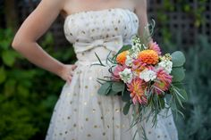 Budget Concious DIY Wedding-- cheap wedding bouquets made with grocery store flowers