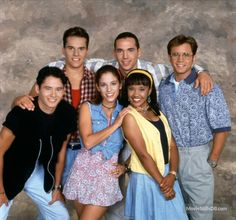 A gallery of Mighty Morphin' Power Rangers publicity stills and other photos. Featuring Jason David Frank, Amy Jo Johnson, David Yost, Karan Ashley and others. First Power Rangers, Power Rangers Ninja Storm, Go Go Power Rangers, Mighty Morphin Power Rangers, Arnold Et Willy, Top Des Series, Tv Series, Original Power Rangers, Amy Jo Johnson