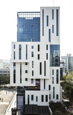 Meta square building 5 / mbk Facade