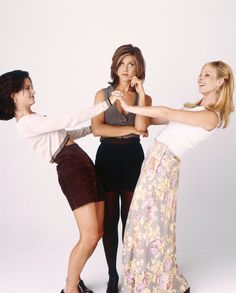 Jennifer Aniston w/ Courtney Cox & Lisa Kudrow - Friends promo