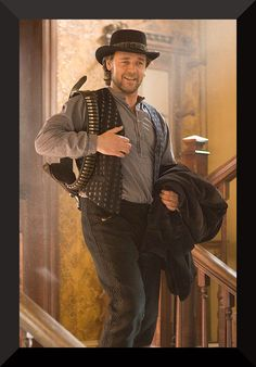 Russell Crowe got his western role in 2007 with to YUMA. A small-time rancher agrees to hold a captured outlaw who's awaiting a train to go to court in Yuma. 3 10 To Yuma, Westerns, Russell Crowe, Western Movies, Le Far West, Best Actor, Hollywood Stars, Movie Tv, Movie Theater