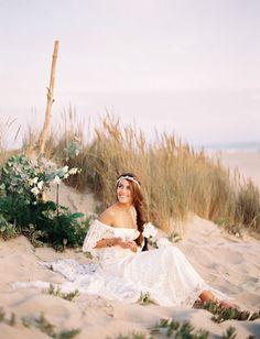 boho beach bride #bodasenlaplaya #boho #bride