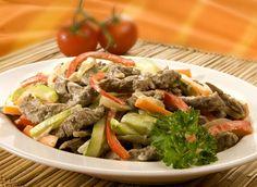 Receita de Iscas de carne com legumes cremoso. demora apenas 30 minutos.