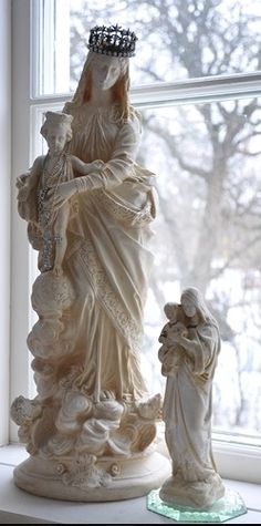 Beautiful statue of Our Lady and the Child Jesus.