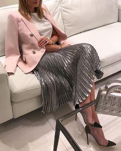 Last night #ootn #balmain blazer #ChristopherKane skirt #gianvitorossi pumps #dior bag