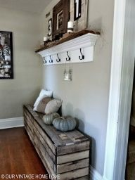 can I take hubbies wood chest and turn it into this for back porch? have pallets in shop already, hmmmmm