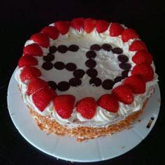 Verjaardag Slagroomtaart Desserts, Food, Postres, Deserts, Hoods, Meals, Dessert, Food Deserts