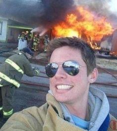 """Képtalálat a következőre: """"selfies taken before disaster"""""""