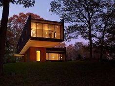 Waccabuc, New York, is home to a recently completed (2011) two story modern house that borrows the name of its location – the Waccabuc House.
