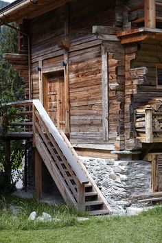 The Birds' Barn Champsec, Bagnes, Switzerland Wood Architecture, Amazing Architecture, Cabins In The Woods, House In The Woods, Lausanne, Alpine Lodge, Building A Cabin, Swiss Chalet, Chalet Style