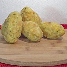 Canederli al formaggio Ravioli, Artisanal, Italian Recipes, Baked Potato, Food And Drink, Potatoes, Vegan, Vegetables, Cooking