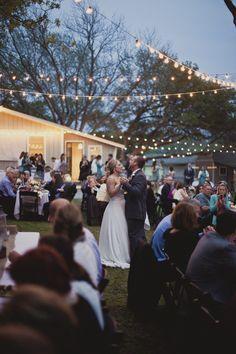 I love backyard weddings!