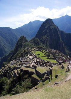 Train - The ruined Inca citadel at Machu Picchu