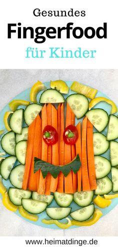 Gespenster Fingerfood - gesunder, lustiger Kindersnack. Nicht nur süße, sondern auch herzhafte Snacks sind auf Kinderpartys gefragt. Ich habe ein leckeres und schnelles Rezept für einen Gespenster Gemüseteller für euch, dass ihr perfekt für Kinderbuffets auf Kinderfesten, Kindergeburtstagen oder zu Halloween verwenden könnt. Das Rezept gibt's hier. #fingerfood#kindersnack#halloween