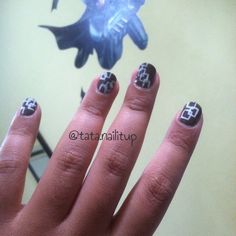 Geometric nail design done by me, inspired by @yagala (IG)..
