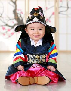 .Korean tradition--first birthday costume.