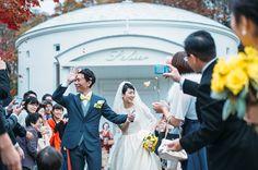 祝福のフラワーシャワーも、鮮やかに。 #Brideal #wedding #original #ordermade #ideas #fireworks #garden #green #ceremony #ブライディール #ウェディング #オリジナル #オーダーメイド #結婚式 #花火