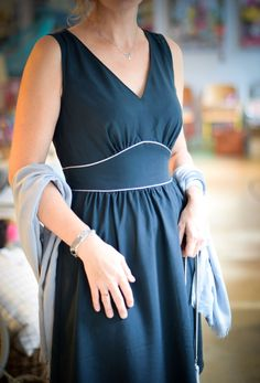 Mademoiselle Joséphine... - Papillon et Mandarine Clothing Patterns, Dress Patterns, Couture Sewing, Perfect Wardrobe, Mode Vintage, Formal Wear, Fashion Addict, Dress Skirt, Womens Fashion