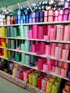 Renforcez la magie de vos cadeaux avec les RUBANS DÉCORATIF: une grande variété de couleurs!