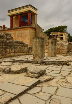 The Palace of Knossos - Crete, Greece - Europe's oldest city.- 45 min from santorini on hellenic sea jet catamaran Ancient Ruins, Ancient Greece, Mayan Ruins, Places To Travel, Places To See, Travel Destinations, Knossos Palace, Travel Around The World, Around The Worlds