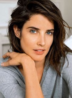 Cobie Smulders as Lola Deacon McIntire