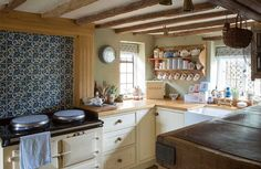 English Cottage Kitchen Exquisite Traditional Country Kitchen Ideas Period Living In Cottage Kitchens English Cottage Kitchen Decor Home Decor Kitchen, Kitchen Design Decor, French Country Kitchen, Kitchen Remodel, Cottage Kitchen Decor, New Kitchen, Country Kitchen, English Cottage Kitchens, Countryside Kitchen