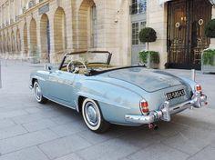 Mercedes Benz #190SL. Pic © Lucas SF (car spotter in Paris) #190SLRestorations #BruceAdams190SL⠀
