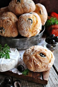 Ciabatta, Natural Life, Canapes, Camembert Cheese, Muffins, Bakery, Food And Drink, Bread, Cooking
