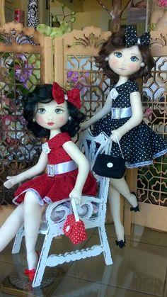 Bonecas negras - craftIdea.org Pretty Dolls, Beautiful Dolls, Doll Clothes Patterns, Doll Patterns, Homemade Dolls, Gothic Dolls, Real Doll, Doll Tutorial, New Dolls