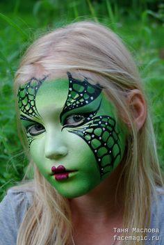 Green web. Face paint by Tanya Maslova.