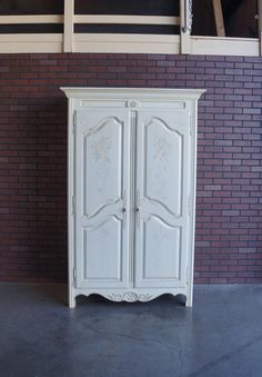 With Its Historically Inspired Designs And Fresh Finish This Country French  Collection Armoire Revisits The Past