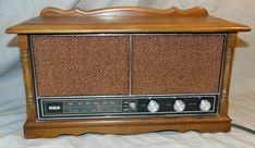Vintage RCA Model RVC 745L AM / FM Wooden Body Table Model Radio WORKS  | eBay Radio Usa, Pocket Radio, Camera Logo, Transistor Radio, Antique Show, Wooden Case, Sound Design, It Works