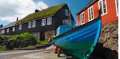 E-TOR3 Vestmanna Boat Trip: Take a boat trip along the coast to gain a perspective on the beautiful city