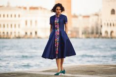 Dux  #lilycorall #fashion #mididress #shantung #silk #glam