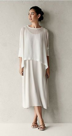 Free standard shipping on all Continental US orders. Shop women's casual clothing that effortlessly combines timeless, elegant lines with eco-friendly fabrics from EILEEN FISHER. Fashion Over, Look Fashion, Trendy Fashion, Womens Fashion, Fashion Design, Fashion Ideas, Mode Chic, Mode Style, Eileen Fischer