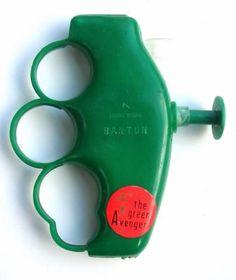 1967 GREEN AVENGER squirt gun - mean business !