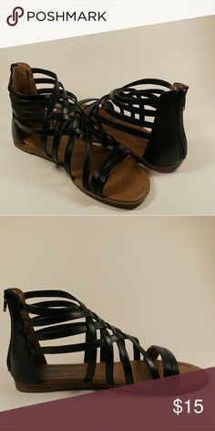 BLACK STRAPPY SANDALS Faux leather. Open toe. Strappy flat sandals  ALL PHOTOGRAPHS ARE MINE. SHOT BY ME. Shoes Sandals