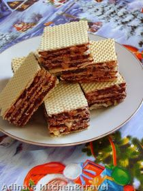 Adina's kitchen & travel: Prajitura cu foi Lica (napolitane cu caramel,nuca si cacao) Creme Caramel, Gordon Ramsay, Waffles, Bread, Breakfast, Recipes, Food, Kitchen, Travel