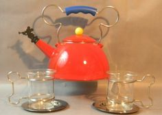 Lot Mickey Mouse Tea Set designed by Michael Graves for Walt Disney Michael Graves, Disney Kitchen, Coffee Set, Tea Sets, Tea Time, Walt Disney, Art Decor, Mickey Mouse, Cups
