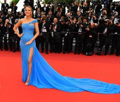 US actress Blake Lively arrives for the screening of the film 'The BFG at the 69th annual Cannes Fil... - Anadolu Agency/Getty Images