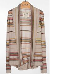 Billabong Cardigan Mid weight Billabong cardigan. Good condition. Minor threads coming out, as is common with this material. Comfy and cute. Billabong Sweaters Cardigans