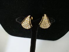 EARCLIPS about 1960 1 inch longrhinestones  goldtoned and
