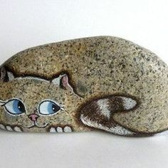 32 Interesting Diy Painted Rocks Animals Cats For Summer Ideas. If you are looking for Diy Painted Rocks Animals Cats For Summer Ideas, You come to the right place. Below are the Diy Painted Rocks An. Pebble Painting, Pebble Art, Stone Painting, Diy Painting, Painted River Rocks, Painted Rocks Craft, Hand Painted Rocks, Painted Pebbles, Painted Stones