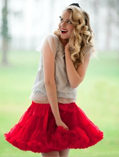 So sexi Little red riding hood :) Little Dresses, Pretty Dresses, Petticoats, Red Riding Hood, Hot Pants, Short Skirts, Baby Dress, Tutu, Ballet Skirt