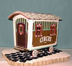 Baerbel won our latest gingerbread house contest with her awesome gingerbread circus wagon.